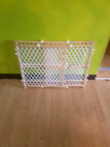 Two baby door gates gor sale great condition
