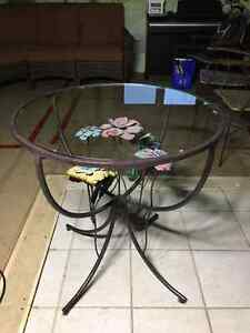 Pier1Imports glass table top 28inch diameter – lowered price! West Island Greater Montréal image 2