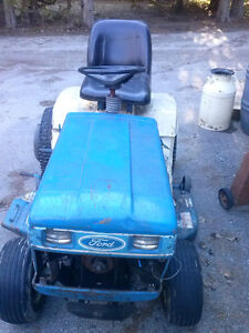 Ford LGT 17H for parts or take the whole thing for $250 Kingston Kingston Area image 4