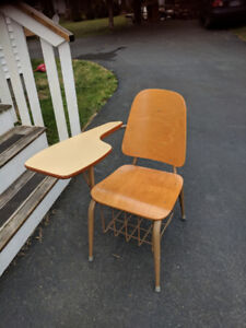 old fashioned school desk chair CALLS ONLY PLEASE 902-748-1397