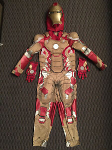 DISNEY IRONMAN Deluxe Ligh-up Costume, Size 5/6
