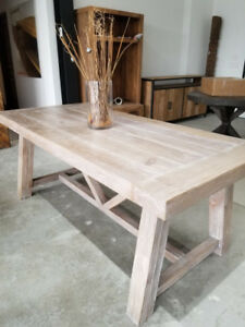 Custom Dining Tables – Showroom Sale