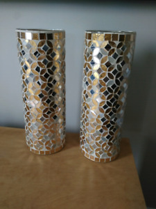 2 beaux Vases (à Valleyfield)
