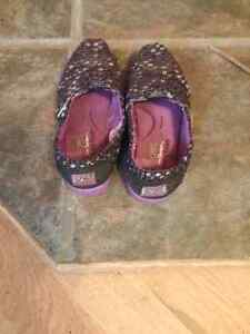 Kids shoes and women sandals for sale