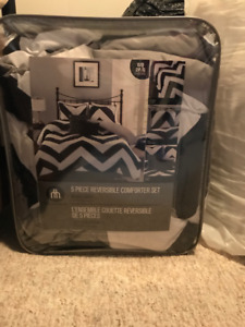 girls lamp and bedding for double/full