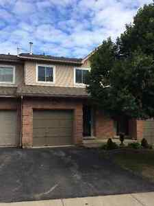 3 Bedroom Dundas Townhouse for Rent