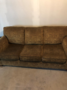 Selling Couch 50$ OBO