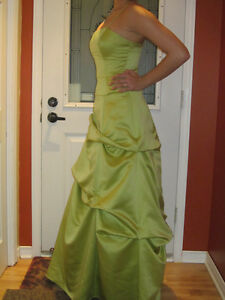 Pistachio Maid of honnor DRESS ***Worn only 4 hours*** Gatineau Ottawa / Gatineau Area image 2