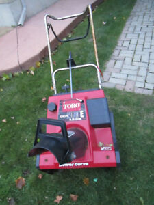 TORO SNOWBLOWER CCR2000E 4.5 HP WITH ELECTRIC START