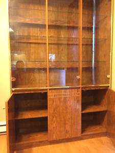 class..display cabinet.  excellent condition