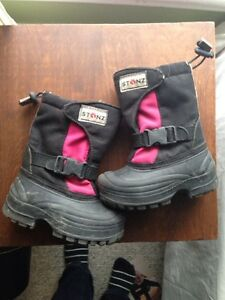 Stonz toddler size 7 pink/black