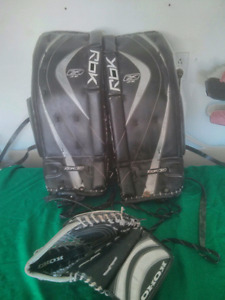 "27"" Reebox & CCM Goalie Pads.... & Trapper (only)"