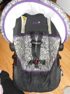 infant car seat with base 4 to 22 pounds good till 2022