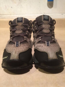 Women's Timberland Hiking Shoes Size 8 London Ontario image 2