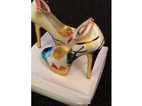 Size 5 platform heels