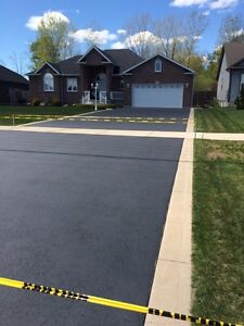 Driveway Sealing -Special FREE Minor Crack Repair With Seal Cambridge Kitchener Area image 7