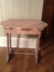 Antique Turtle top spool legged table