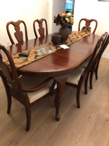 FS: Dining Table + Chairs - Solid Wood (Cherry)