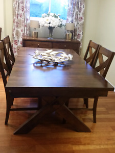Dining room table with 5 chairs/ sitting bench & matching hutch