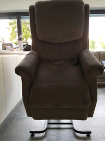 Restwell Indiana Rise & Recliner