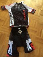Vêtement de vélo NEUF!! (cuissard et chandail) Cool max