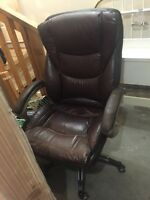 Brown leather executive office chair $25. Airdrie ab