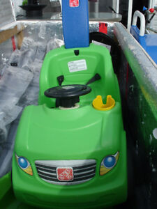 STEP 2 PUSH BUGGY, GOOD CONDITION, HAS SEAT BELT, CUP HOLDER