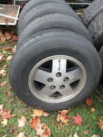 4 Chevy Blazer Mag Wheels with P215-75-15in Tires