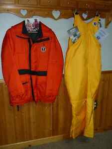 Mastang Servival Floater Suit ( Never Worn)