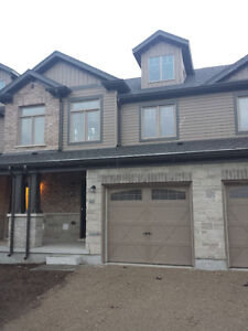 3 bed 3 bath Town home w/finished basement Gordon/Clair
