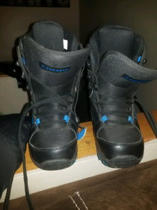 Ski boots size 24 UK 4.5 brand new