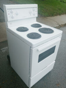 Electric 24 Inch Frigidaire stove (Apartment Size)