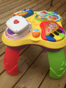 Fisher Price Laugh & Learn Puppy Learning Table Bilingual-