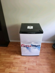 Haier Coors light mini beer fridge