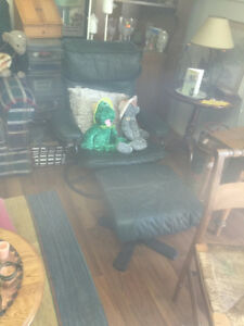 The wise shop at 662 Montreal st open today FURNITURE CLEARANCE Kingston Kingston Area image 5