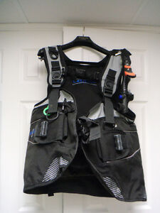 Mens Complete Scuba Gear BCD Regulator and Accessories