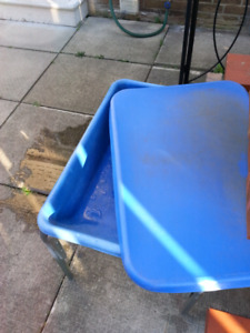 Kids Water/sand table with lid