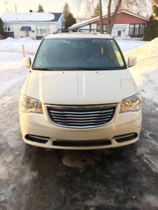 2013 Chrysler Town & Country Touring Fourgonnette, fourgon