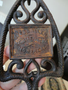 2 Vintage Cast Iron Trivets /Iron Holders -Ives & Allen Montreal Kitchener / Waterloo Kitchener Area image 1