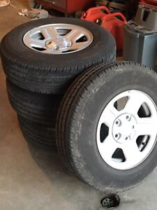 2016 Jeep JK Wrangler Stock Tires and Rims, only 4500km on them