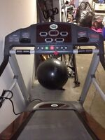 Treadmill (With incline/decline option)