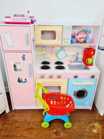 KidsKraft Deluxe Culinary Wooden Kitchen
