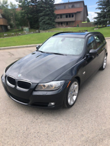 2012 BMW 328i XDRIVE AWD Touring Wagon - Executive Edition