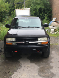 Chevrolet S10 ZR2 Pickup Truck for Sale