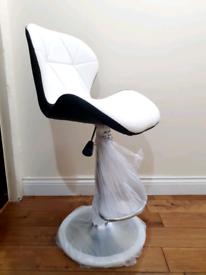 1 x Brandnew Breakfast kitchen bar stools - White/Black
