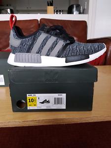 Adidas nmd r1 glitch camo pack. DS