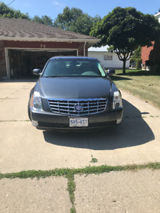 2009 Cadillac DTS in mint condition with low kms!