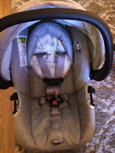 Selling safety1st stroller, carseat and base Windsor Region Ontario image 10