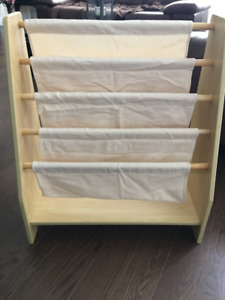 Kid Kraft  magazine /book case