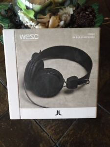 NEW WeSC Matte Conga On-Ear Headphones Black
